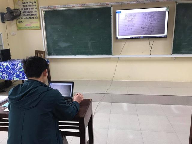 Chuyện dạy online giờ mới kể: Thầy cô chật vật gấp đôi, gấp ba - 2