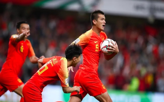 Giải quốc nội sắp trở lại, 8 tuyển thủ quốc gia Trung Quốc vẫn bơ vơ - 3