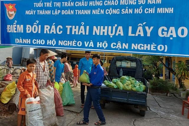Thiết thực chương trình Đổi rác thải nhựa lấy gạo của tuổi trẻ Bạc Liêu - 4