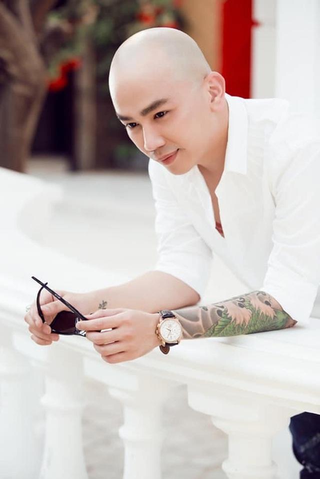 Vì sao Đặng Thu Thảo, Đông Nhi xin lỗi phù thủy trang điểm Phan Minh Lộc? - 1