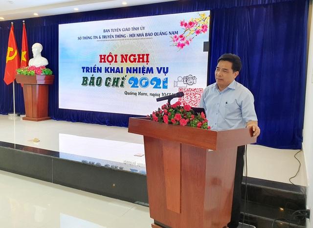 Chủ tịch tỉnh Quảng Nam tặng Bằng khen phóng viên Báo điện tử Dân trí - 2