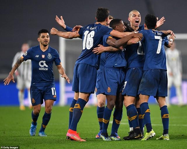 C.Ronaldo gây thất vọng, Juventus bị loại đầy cay nghiệt trước Porto - 6