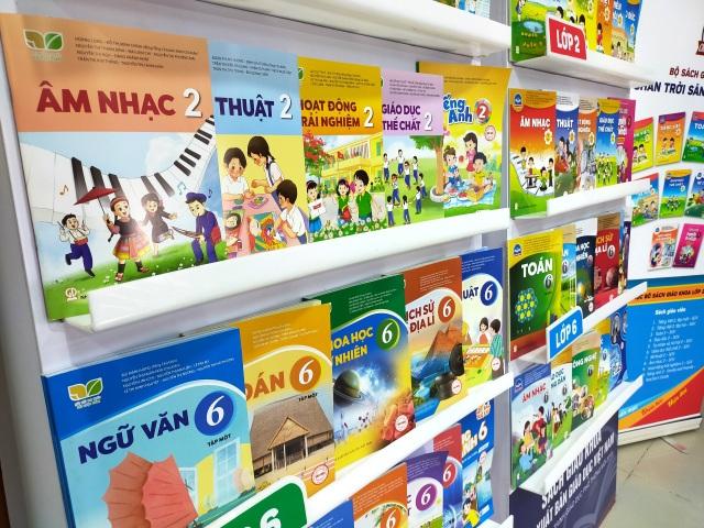 Hai bộ sách giáo khoa biến mất: NXB Giáo dục Việt Nam nói gì? - 1