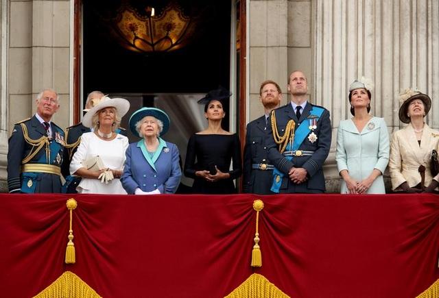 Hai năm khó khăn trong hoàng gia Anh của cựu diễn viên Mỹ Meghan Markle - 5