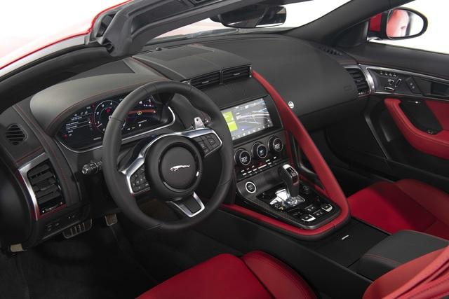 Jaguar F-TYPE mới về Việt Nam có giá lên đến 15,29 tỷ đồng - 12