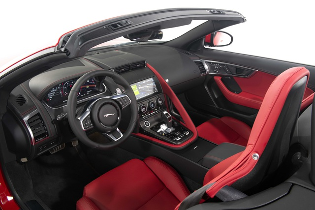 Jaguar F-TYPE mới về Việt Nam có giá lên đến 15,29 tỷ đồng - 3