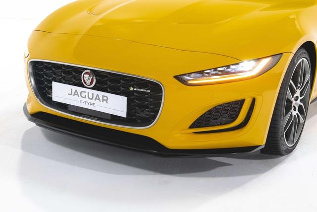 Jaguar F-TYPE mới về Việt Nam có giá lên đến 15,29 tỷ đồng - 17