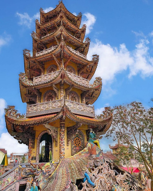 The unique pagoda, holding the most records in Vietnam - 3