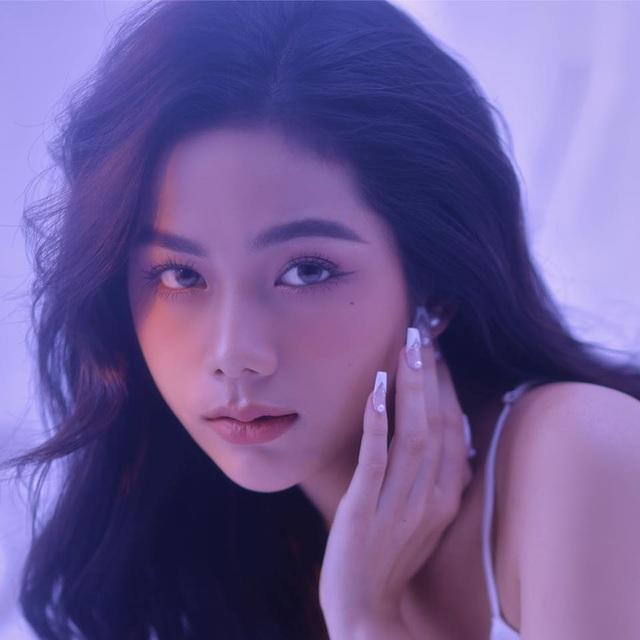 Nữ sinh Việt được truyền thông Trung Quốc khen vóc dáng quyến rũ gợi cảm - 8