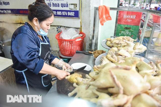 Quán ngan gié lâu đời ở Hà Nội, bà chủ U60