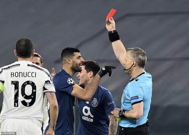 C.Ronaldo bất lực nhìn Juventus bị loại cay đắng dưới tay Porto - 7