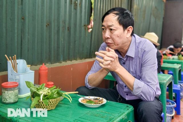 Đặc sản khách Tây khóc thét, người Việt chen chân xếp hàng thưởng thức - 4