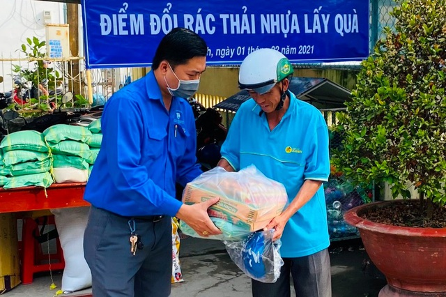 Thiết thực chương trình Đổi rác thải nhựa lấy gạo của tuổi trẻ Bạc Liêu - 1
