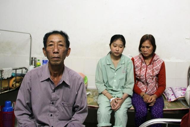 Nữ sinh mắc bệnh hiểm nghèo, người cha thương binh cắm nhà cứu con - 1