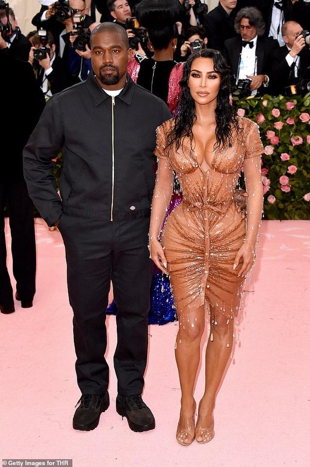 Kanye West cắt đứt liên hệ với Kim Kardashian - 4