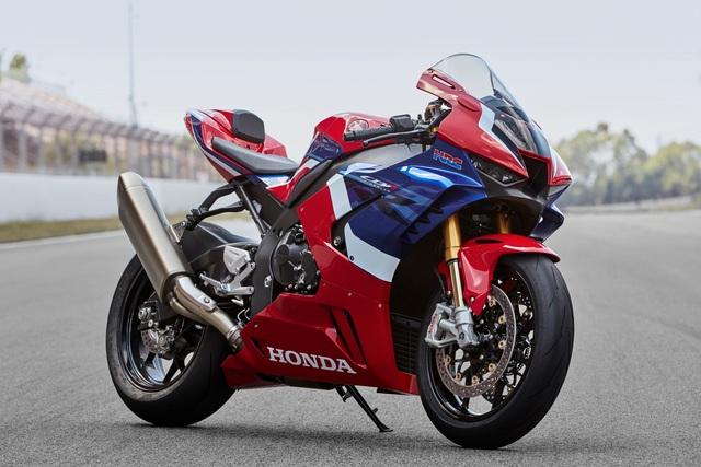 Motor chạy 299km/h trên Đại lộ Thăng Long có giá khoảng 1 tỷ đồng - 3