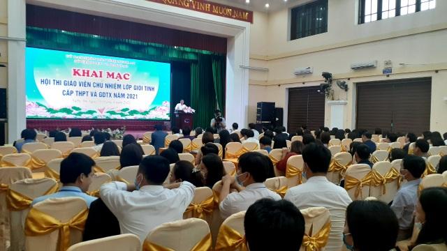 Hội thi năm nay có sự tham gia của 187 giáo viên chủ nhiệm đến từ hơn 100 trường THPT và các trung tâm GDTX, GDNN - GDTX trong toàn tỉnh.