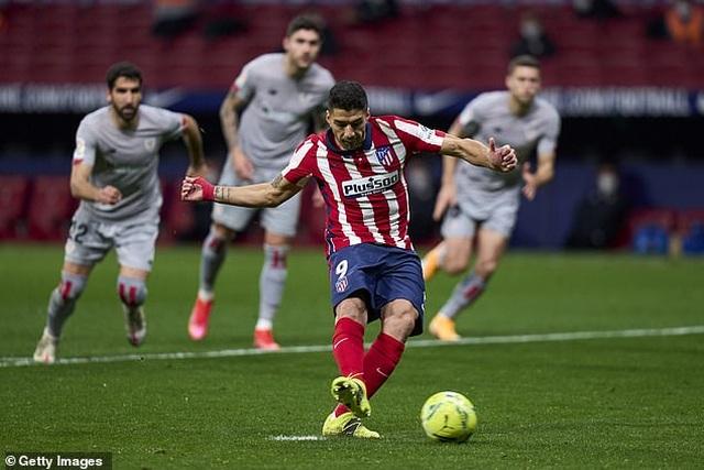 Luis Suarez ghi bàn, Atletico bứt phá trước Barcelona và Real Madrid - 9