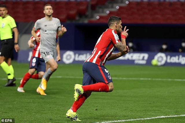Luis Suarez ghi bàn, Atletico bứt phá trước Barcelona và Real Madrid - 12