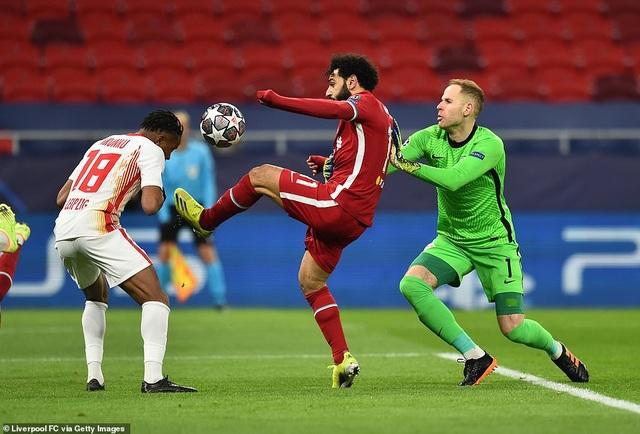 Chiến thắng chớp nhoáng, Liverpool tiến vào tứ kết Champions League - 2
