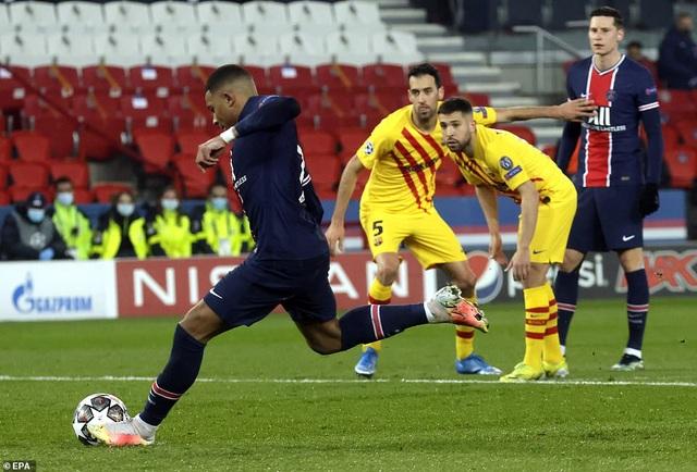 PSG 1-1 Barcelona: Messi ghi bàn và đá hỏng phạt đền - 4