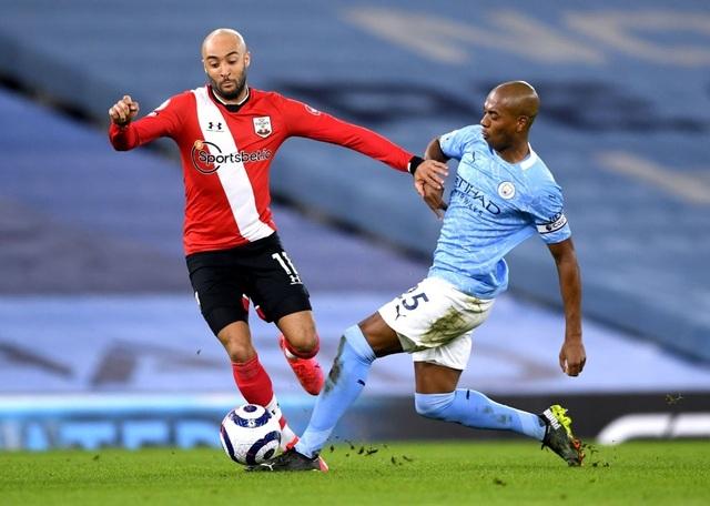 Vùi dập Southampton, Man City tiếp tục hơn Man Utd 14 điểm - 3