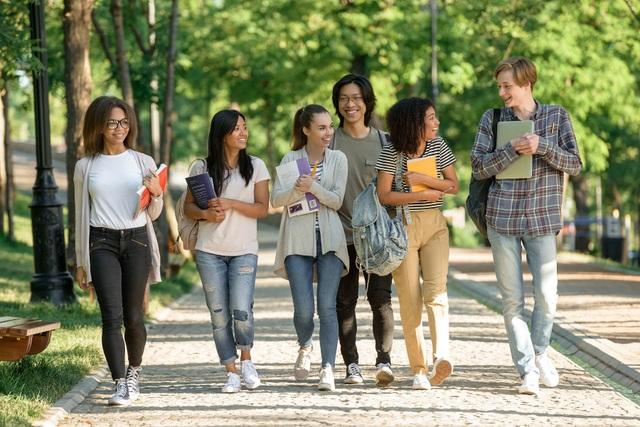 VinUni mở vòng tuyển sinh đặc biệt thu hút sinh viên quốc tế và các tài năng tầm cỡ quốc tế - 1