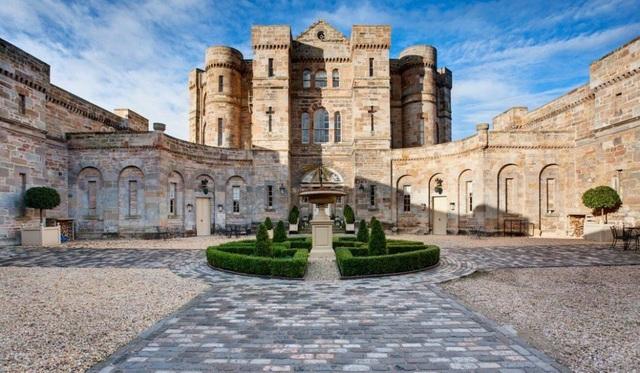 Giới nhà giàu Trung Quốc đổ xô mua lâu đài ở châu Âu - 3