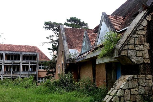 2 công nhân tử vong khi tháo dỡ tu viện cổ ở Đà Lạt - 3