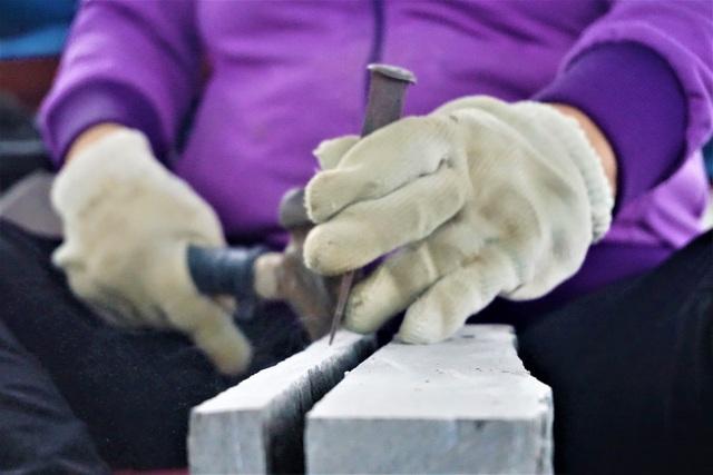 Nhọc nhằn nghề chẻ đá đổi cơm ở Đà Nẵng - 6