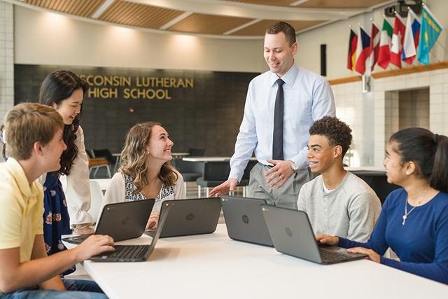 Phỏng vấn học bổng cùng Giám đốc tuyển sinh trường trung học Wisconsin Lutheran, Mỹ - 1