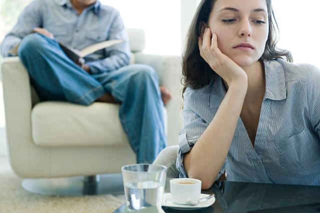 Đừng kiểm soát chồng nữa, hãy kiểm soát cảm xúc của mình - 1