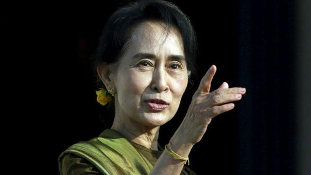 Quân đội Myanmar cáo buộc bà Suu Kyi nhận hối lộ vàng và 600.000 USD  - 1