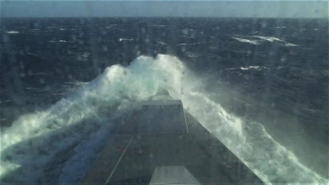 Tàu chiến tàng hình của Mỹ chịu được sóng cao 6m - 2