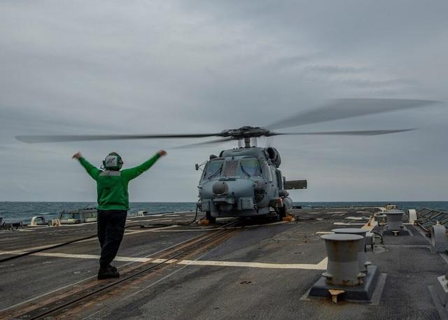 Mỹ điều chiến hạm đi qua eo biển Đài Loan - 1