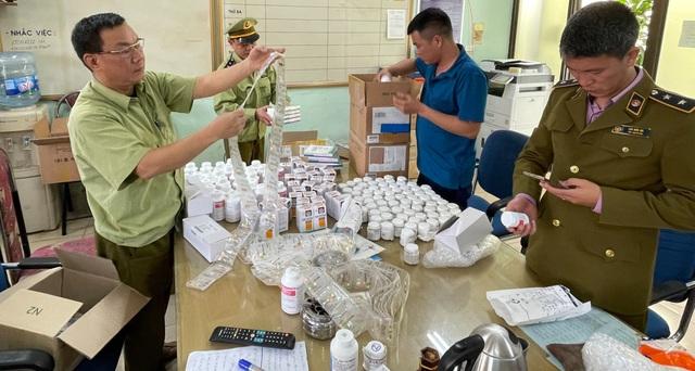 Tóm gọn lô dược phẩm Hàn Quốc không giấy tờ đi ra từ sân bay Nội Bài - 1