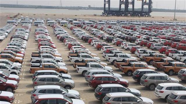 Xe nhập giảm thê thảm, toàn thị trường ngóng chờ xe mới - 1
