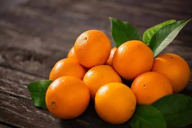 Bất ngờ với khả năng dọn dẹp mỡ thừa, chất độc trong gan của quả cam - 1