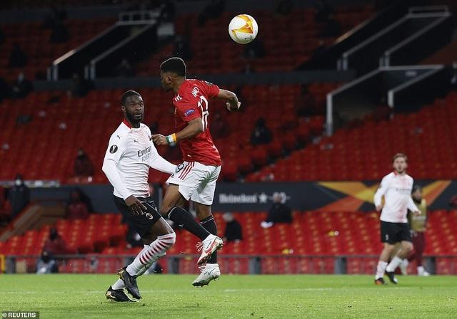 Maguire trở thành tội đồ trong ngày Man Utd bị AC Milan cầm hòa - 6