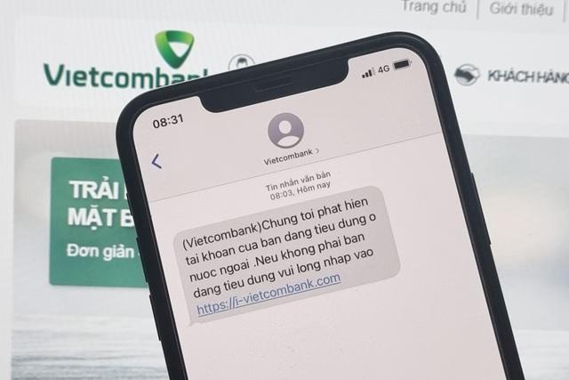 Người dùng Vietcombank nhận tin nhắn lừa đảo - 1