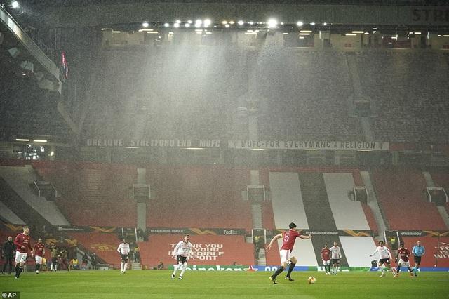 Maguire trở thành tội đồ trong ngày Man Utd bị AC Milan cầm hòa - 1