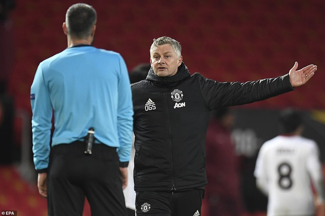 Maguire trở thành tội đồ trong ngày Man Utd bị AC Milan cầm hòa - 13