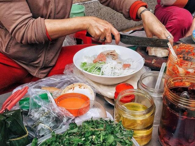 Mê mẩn với hương vị của món bún mắm nêm trứ danh ở Đà Nẵng - 2