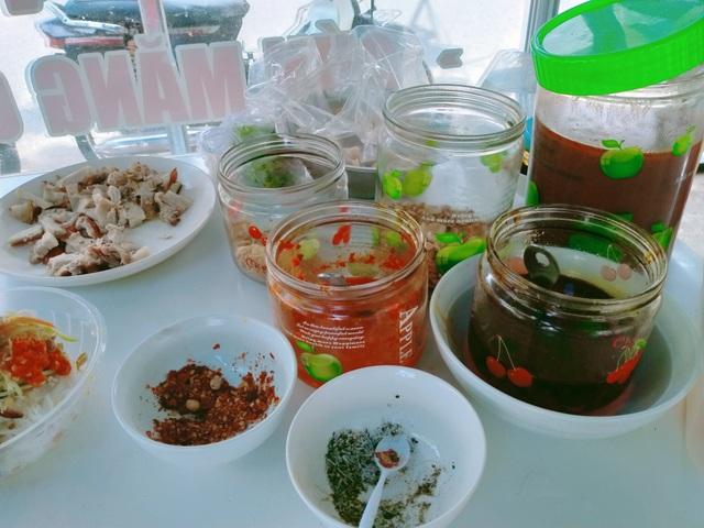 Mê mẩn với hương vị của món bún mắm nêm trứ danh ở Đà Nẵng - 4