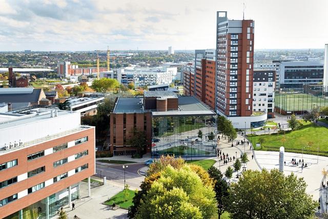 Tập đoàn giáo dục Cambridge mở rộng hợp tác cùng hai trường đại học hàng đầu ở Anh - 1