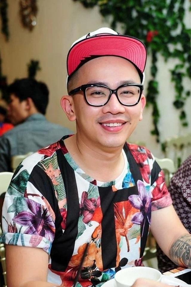 Gia đình tổ chức lễ tưởng niệm, cầu siêu cho chuyên gia trang điểm Minh Lộc - 1