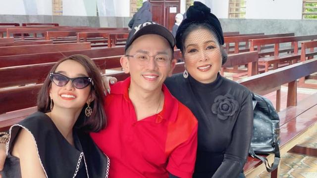 Gia đình tổ chức lễ tưởng niệm, cầu siêu cho chuyên gia trang điểm Minh Lộc - 3