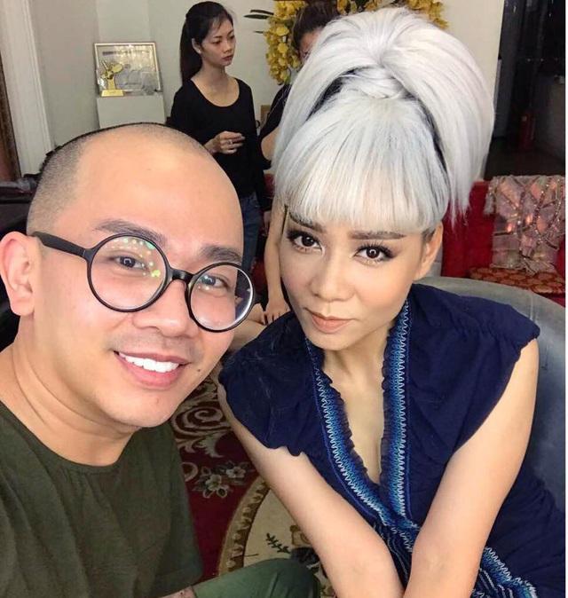 Gia đình tổ chức lễ tưởng niệm, cầu siêu cho chuyên gia trang điểm Minh Lộc - 4