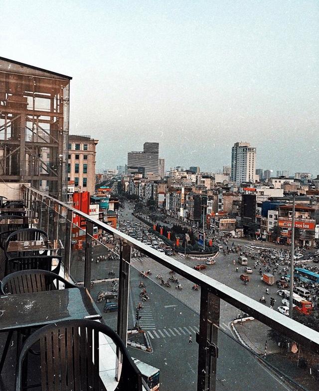 5 quán cà phê trên cao view cực chất cho cuối tuần lãng mạn tại Hà Nội - 6