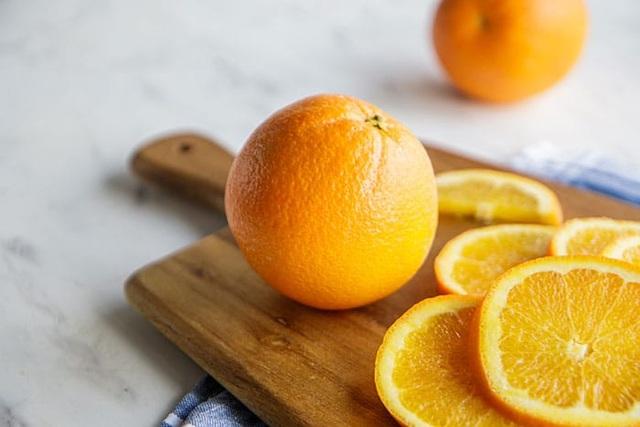 Bất ngờ với khả năng dọn dẹp mỡ thừa, chất độc trong gan của quả cam - 2
